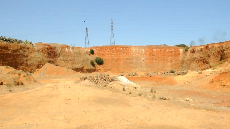 فعاليات جمعوية تدق ناقوس الخطر  حول انشاء  مطرح لطمر النفايات السامة  ببني يخلف